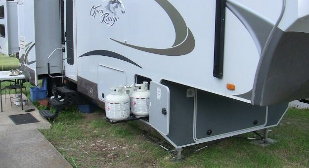 Is It Okay to Drive Your RV with the Propane On?